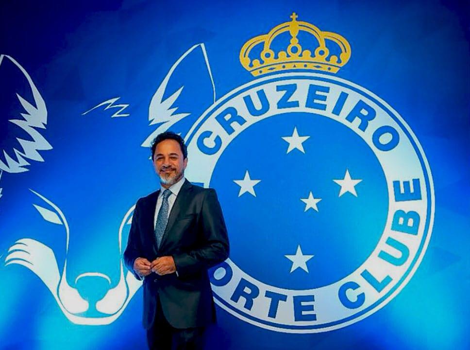 Itabirano Marco Antônio Lage se apresenta oficialmente ao Cruzeiro