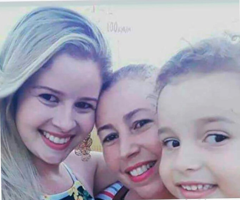 Duas mulheres e uma criança morrem em acidente de carro