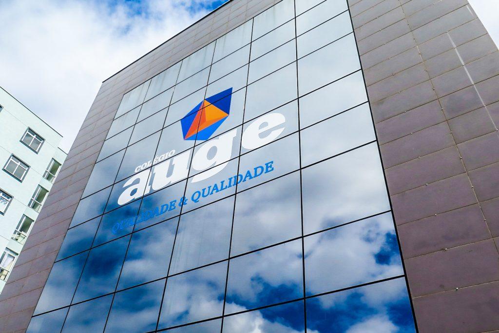 Colégio Auge: novo endereço, nova identidade e metodologia de ensino