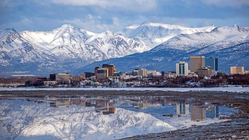 Terremoto de 8,2 graus no Alasca gera alerta de tsunami no Pacífico