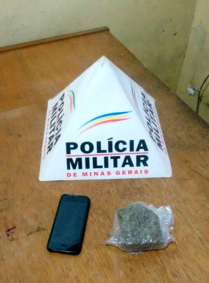 Homem é preso por transportar droga prensada para Catas Altas