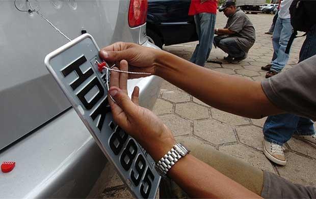 Lacres para emplacamento de veículos devem chegar a Itabira em 30 dias, acredita delegado