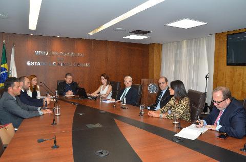 Ministério Público e Anglo American firmam parceira para acompanhamento de impactos em expansão do Minas-Rio