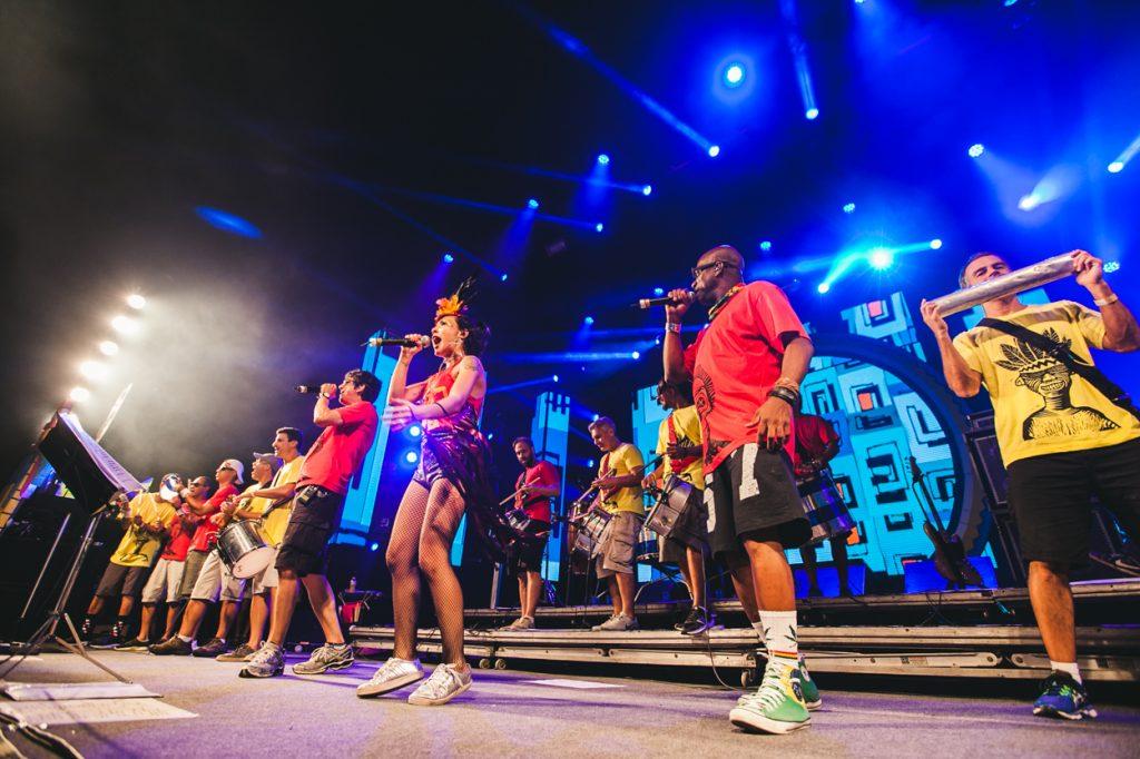 """Monobloco faz """"esquenta"""" para o Carnaval em Belo Horizonte nesta quarta-feira"""