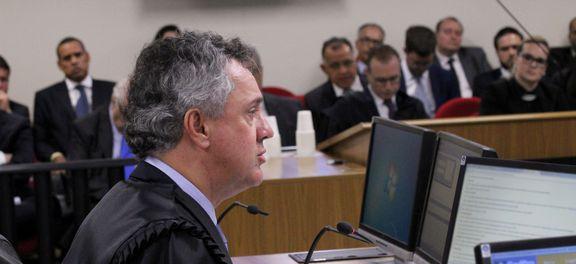 Relator no TRF4 pede aumento da pena de Lula para 12 anos de prisão