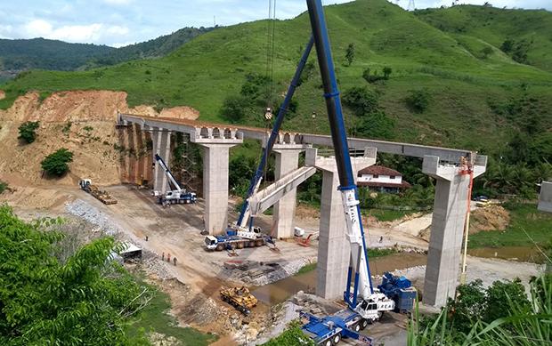 Pontes sobre o ribeirão Oncinha, na BR-381, começam a tomar forma