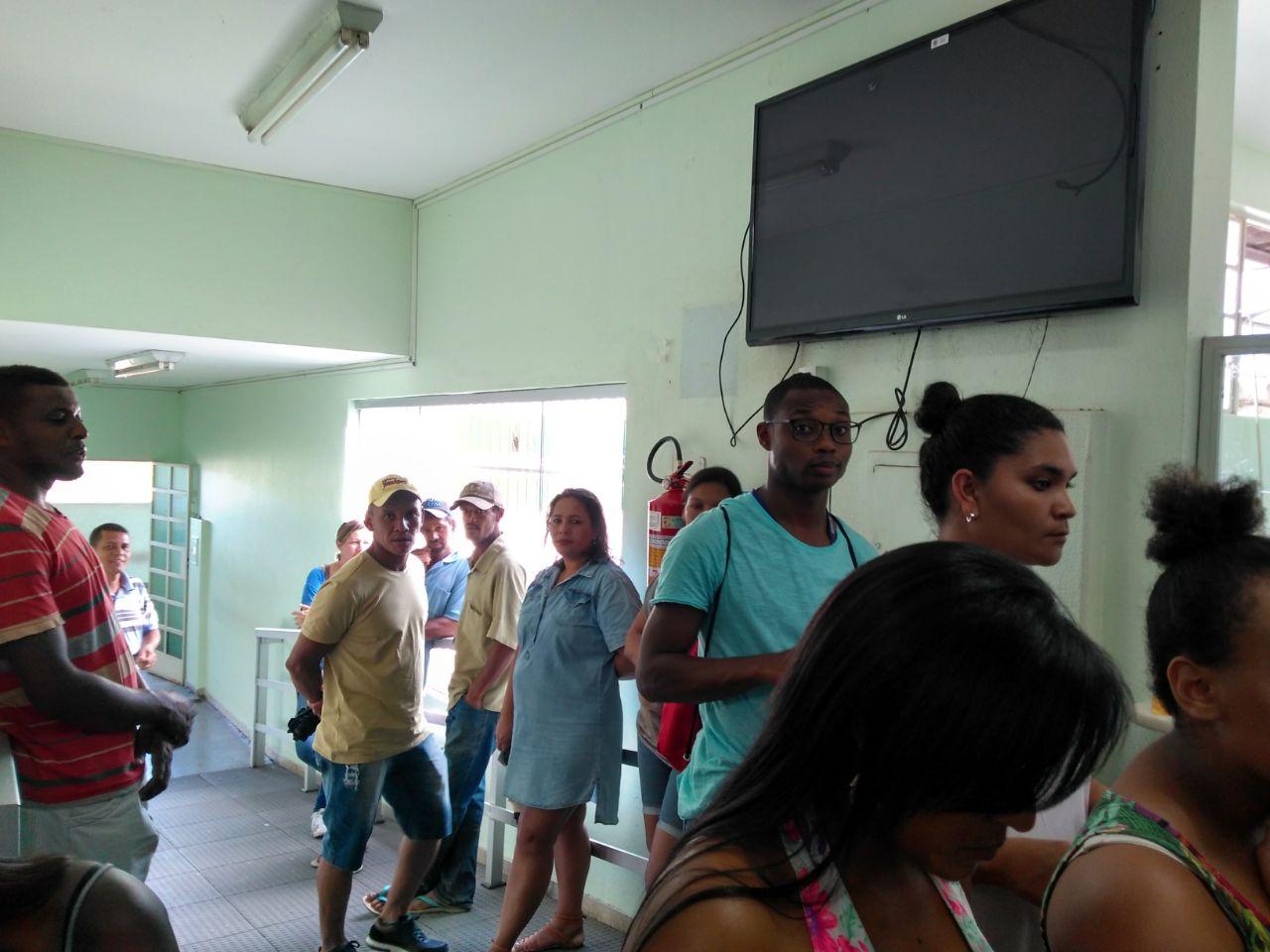 Febre amarela assusta Itabira e leva multidão às vacinas; postos funcionam até 20h