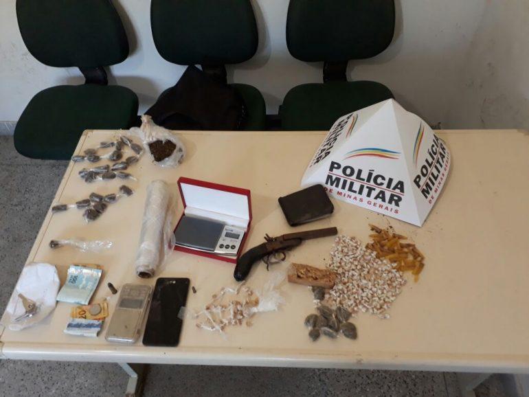 Polícia apreende quase 300 pedras de crack na região