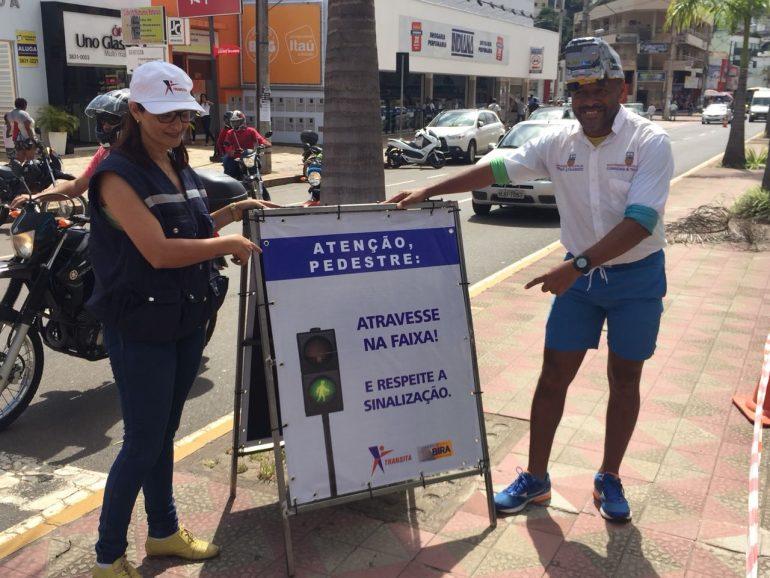 Campanha 'Pé na Faixa' visa educar motoristas e pedestres e reduzir número de atropelamentos em Itabira