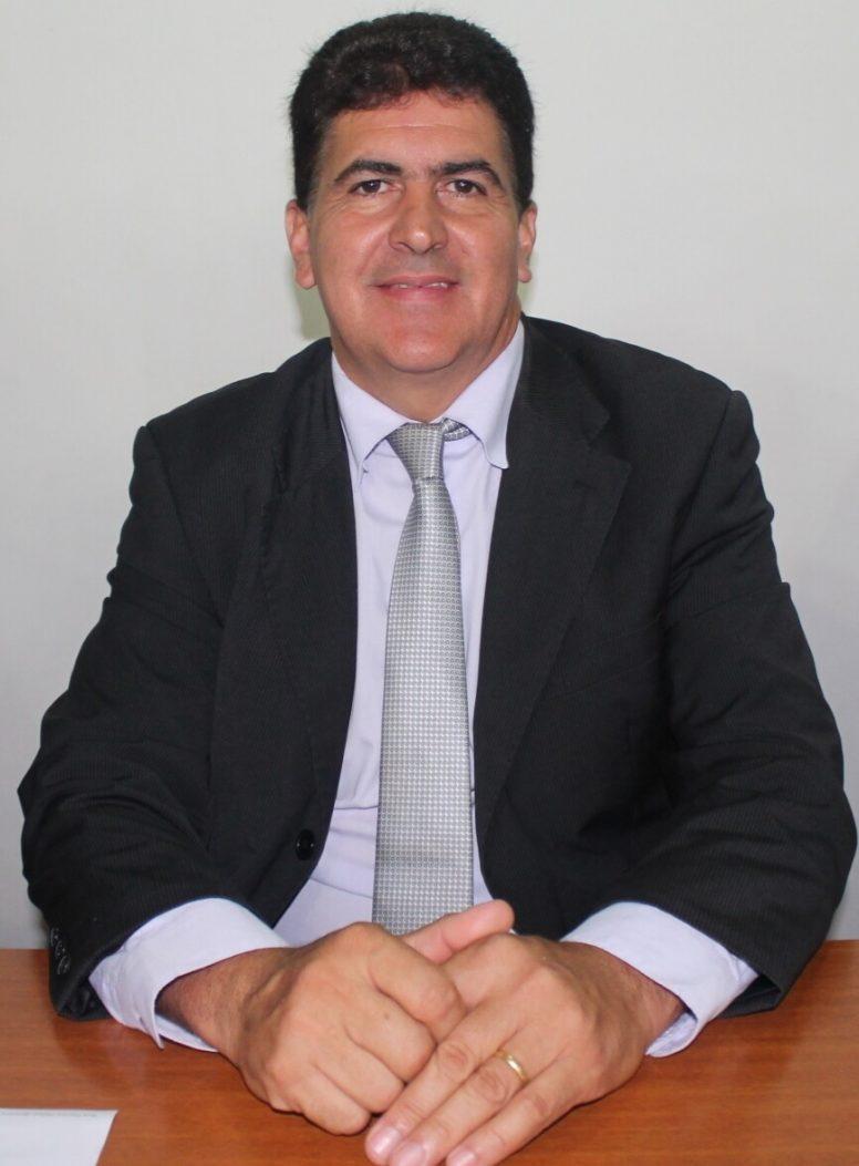 Guanhães empossa novo prefeito