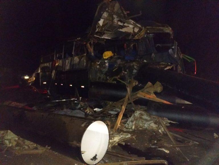 Acidente mata seis pessoas em rodovia mineira