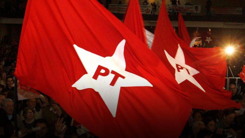 Militantes a favor do ex-presidente Lula promovem manifesto em Conceição do Mato Dentro