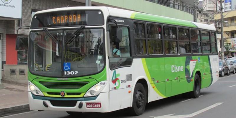 Cisne reduz horários de ônibus por causa da escassez de combustível