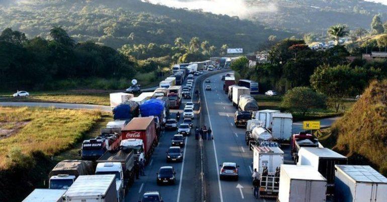 Resultado de imagem para greve dos caminhoneiros