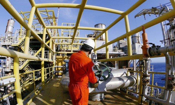Petroleiros param produção de seis plataformas no Rio, diz sindicato