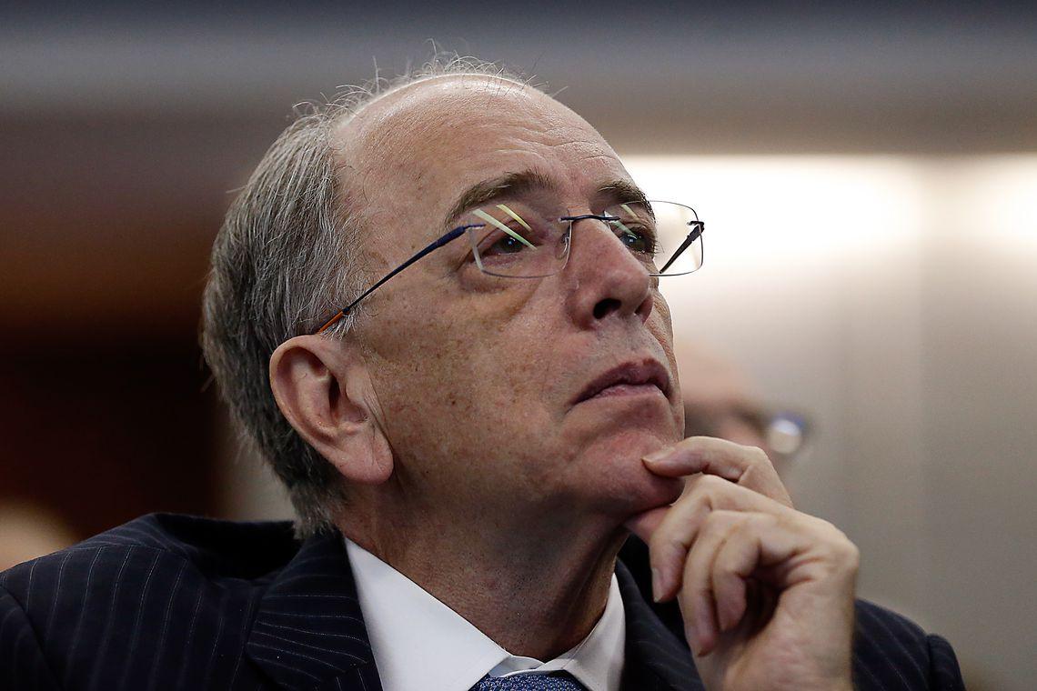 Em meio à crise, Pedro Parente pede demissão da Petrobras