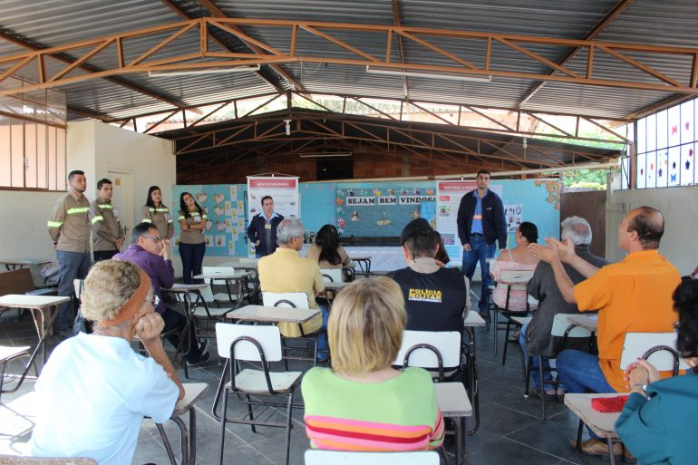 ArcelorMittal e Prefeitura de Monlevade fazem campanha de segurança em linhas férreas