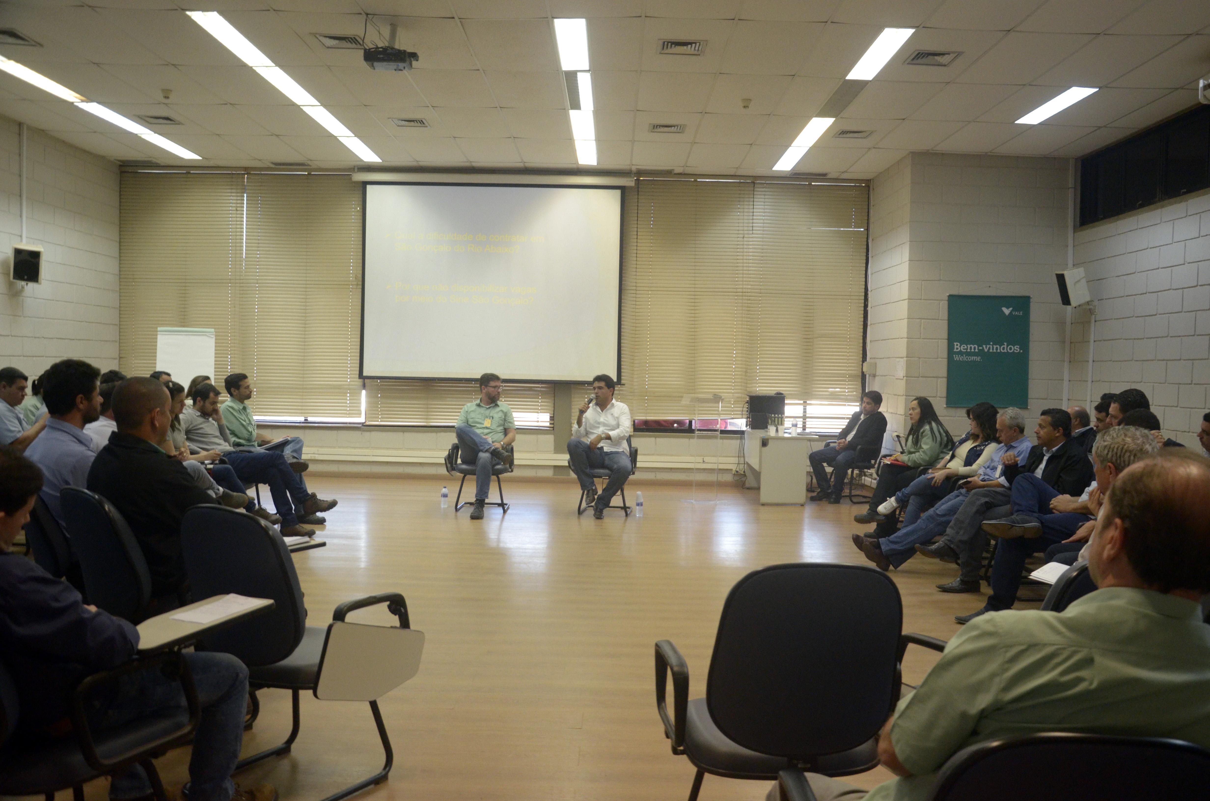 Prefeito de São Gonçalo reúne empreiteiras da Vale e cobra oportunidades a trabalhadores locais