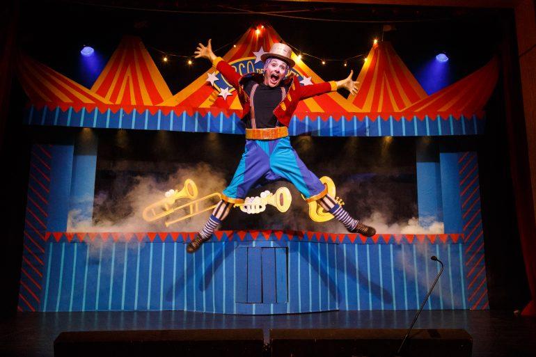 Festival de Inverno tem teatro infantil e música neste domingo