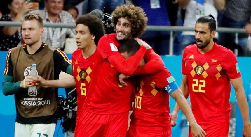 Bélgica vira no último lance e encara o Brasil na Copa
