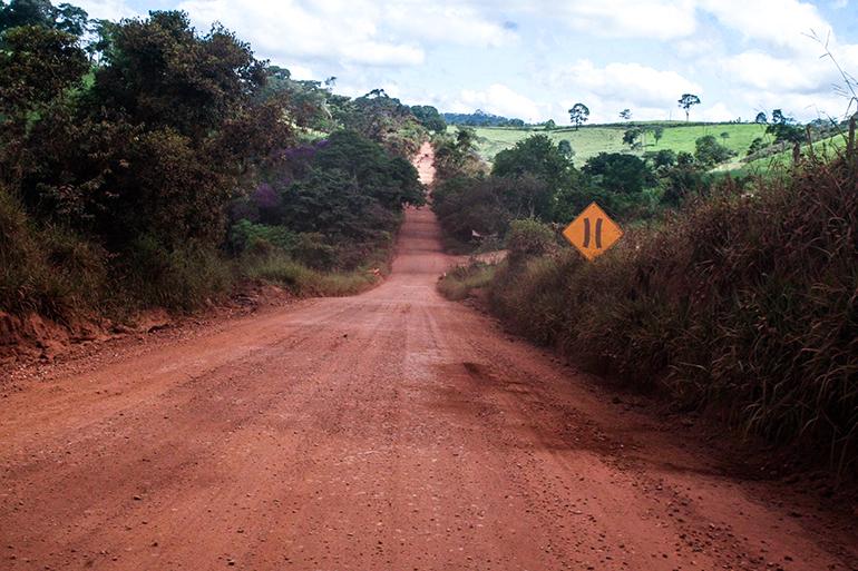 Governador assina ordem de serviço para conclusão da rodovia que liga Conceição do Mato Dentro ao Serro