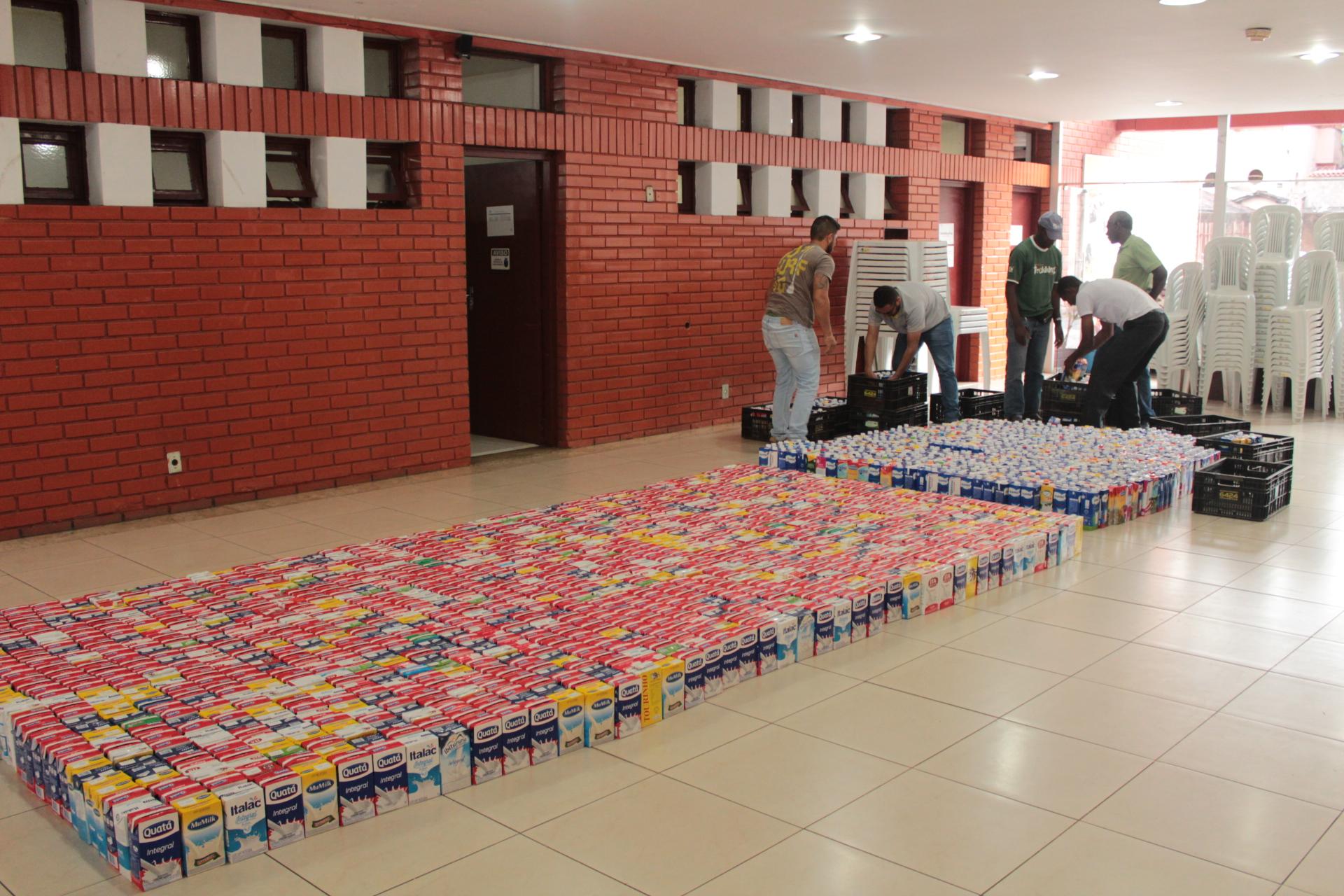 Festival de Inverno arrecada 2,4 mil litros de leite e 1,5 mil livros infantis