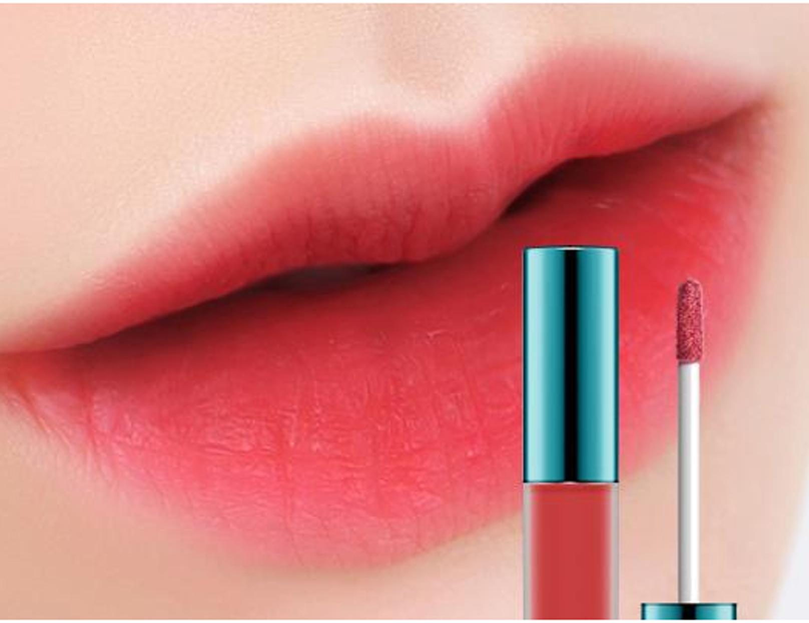 Lip tint, novo queridinho da beleza, pode ser usado como batom, blush ou sombra
