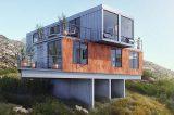 Contêineres recortados e empilhados se transformam em casa sustentável