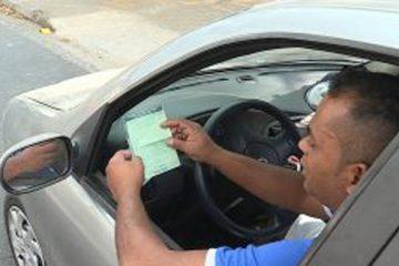 Motoristas têm até julho e agosto para obter o licenciamento de carros em Minas