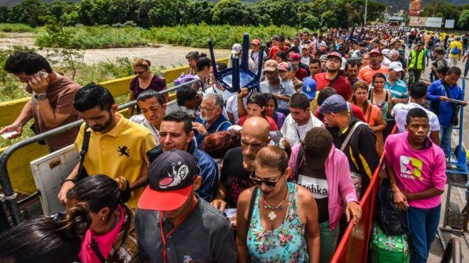 Após reabertura da fronteira, 7.000 venezuelanos entram na Colômbia