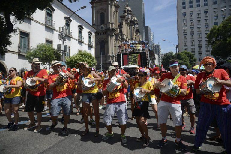 Mais de 50 blocos desfilam de hoje até domingo no Rio de Janeiro