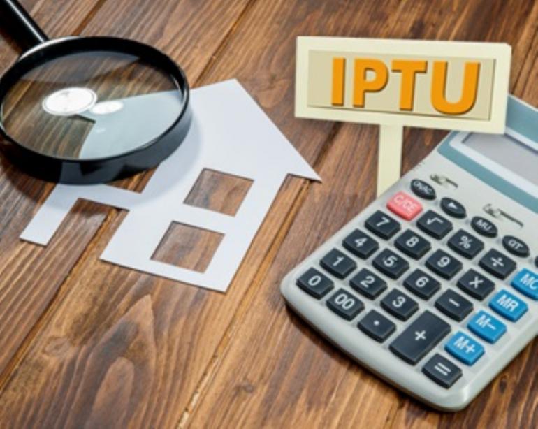 Catas Altas começa a entregar IPTU a moradores