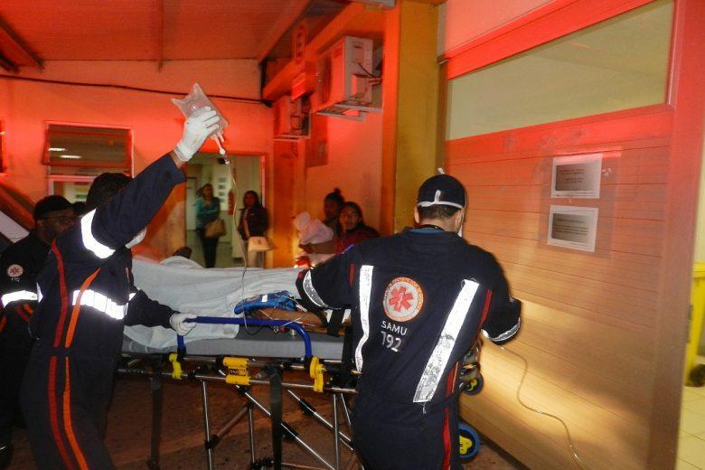 Rapaz de 18 anos é socorrido em estado grave após ser baleado em Itabira