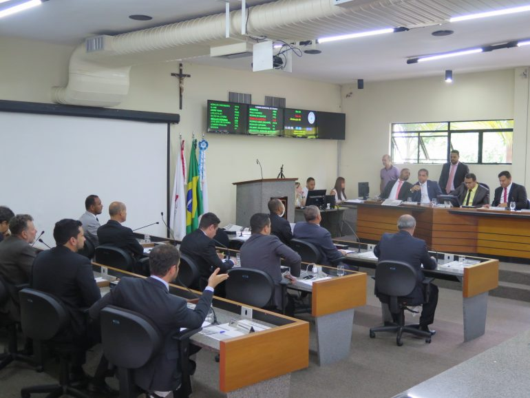 Pedido de vista a veto do prefeito tranca pauta da Câmara de Itabira