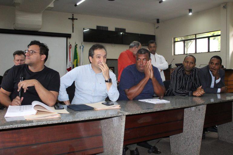 Câmara de Itabira discute ampliação da licença paternidade para servidores municipais