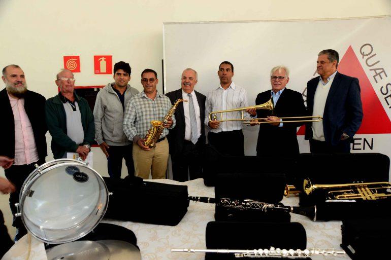 Bandas de Itabira e região renovam convênio e recebem novos instrumentos
