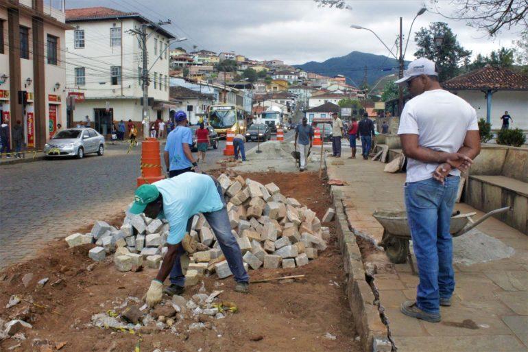 Prefeitura de Mariana cria novo acesso para melhorar fluxo do trânsito no centro da cidade