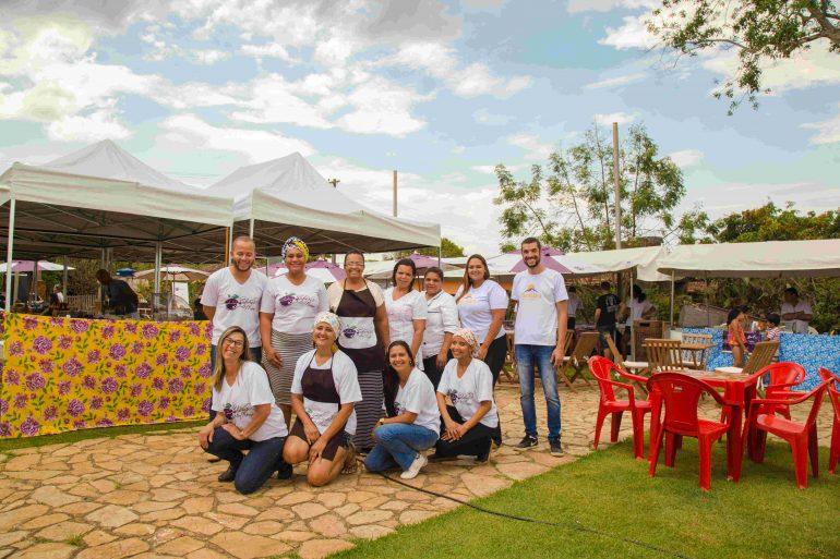 Coletivo resgata tradições da culinária mineira e movimenta economia em Catas Altas