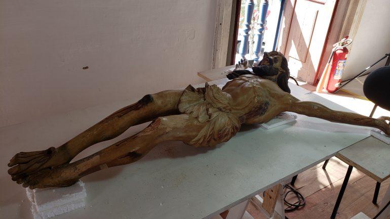 Artes sacras da capela do Senhor do Bonfim, em Catas Altas, passam por restauração