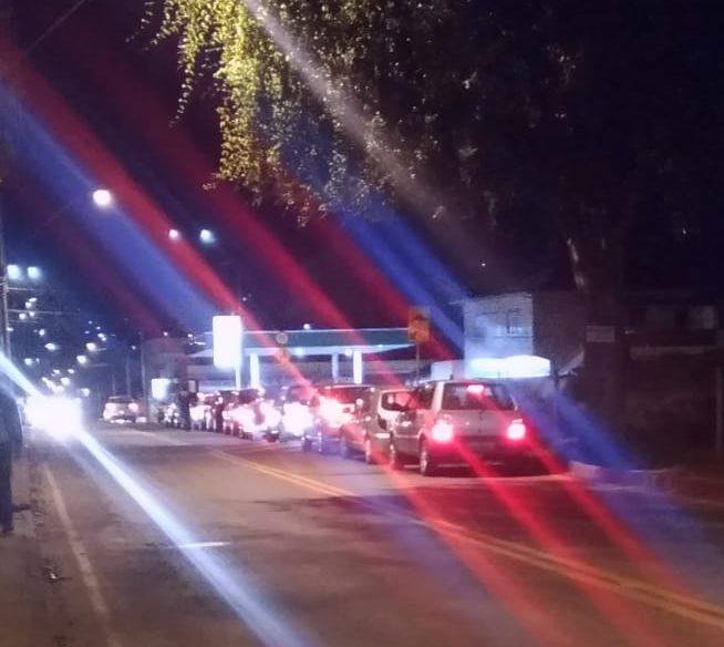 Rumores de nova greve dos caminhoneiros levam motoristas a lotar postos em Itabira