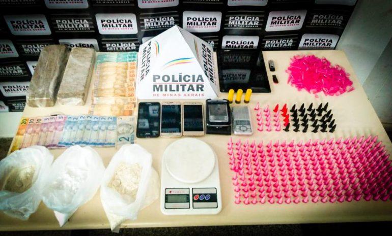 PM de João Monlevade prende traficantes com 285 pinos de cocaína