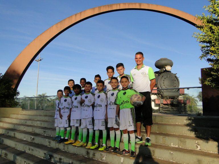 Equipe de Itabira disputa primeiro jogo do Torneio Internacional de Futebol Infantil neste sábado