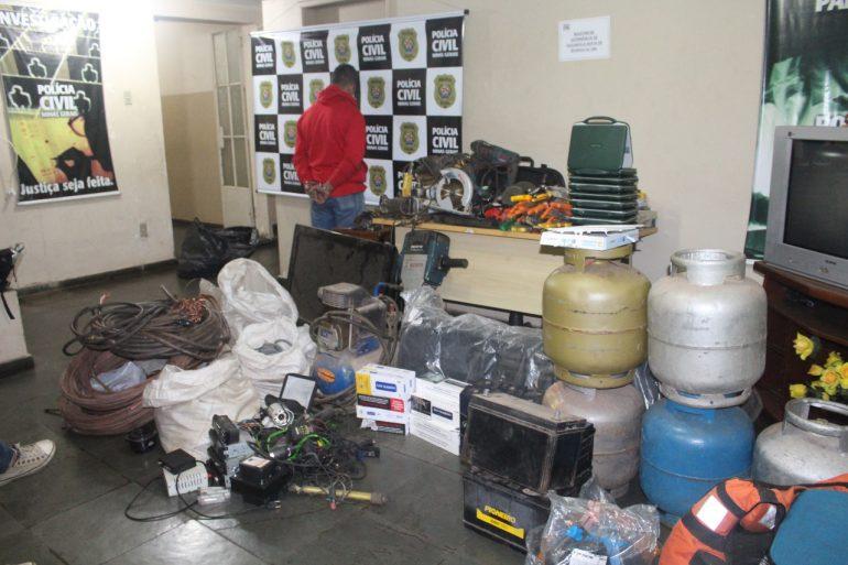 Polícia Civil apreende revólver e prende suspeito de receptação no Fênix