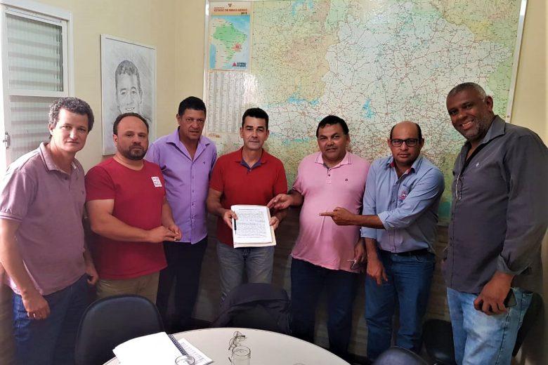 Vereadores se reúnem com deputado federal para solicitar audiência regional sobre duplicação da 381