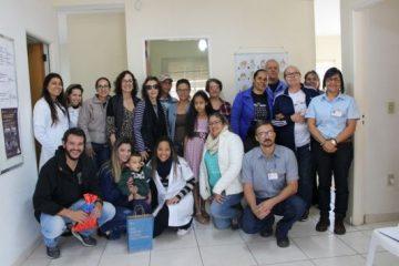 Prefeitura e Apasmon entregam aparelhos auditivos a crianças com deficiência auditiva