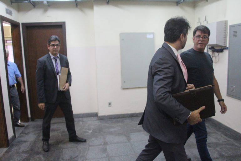 """Processo da """"livrada na cara"""" entre vereadores: pedidos de desculpas e doação de cestas básicas"""