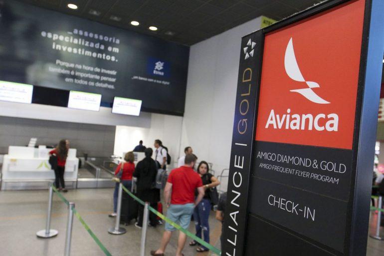 Tripulantes da Avianca suspendem greve temporariamente