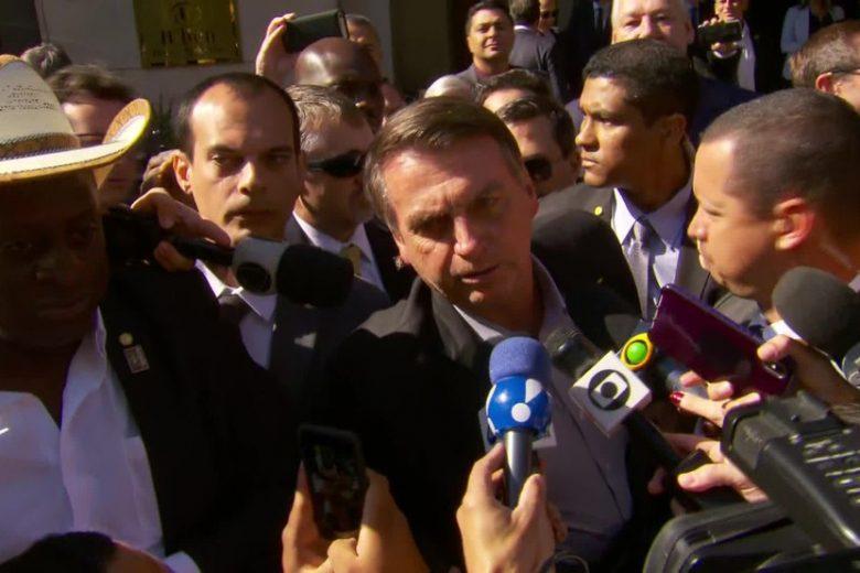 """Bolsonaro chama manifestantes de """"idiotas úteis"""", """"imbecis"""" e """"massa de manobra"""""""