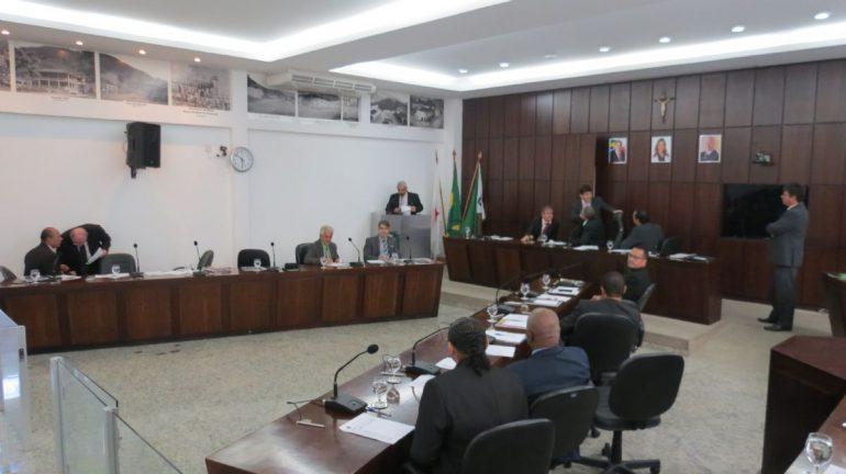 Câmara de Monlevade aprova repúdio ao Enem por questão com dialeto LGBT+