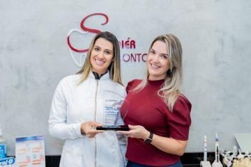 Soiér Odontologia recebe premiação de Invisalign Top Doctor Gold